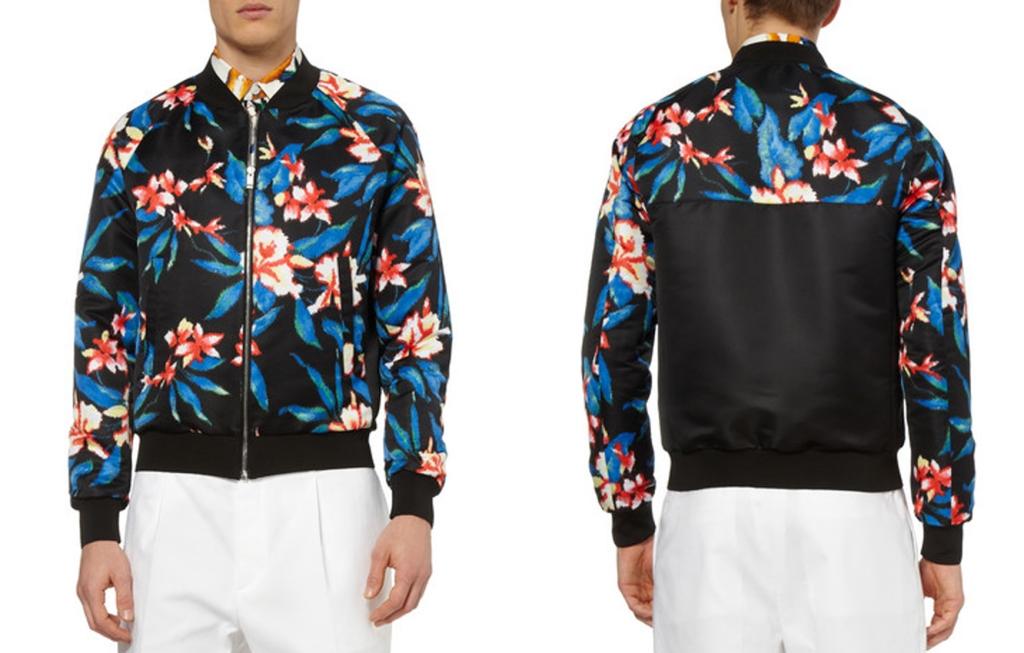 Bomber jacket con floral print de Balenciaga (http://www.balenciaga.com).