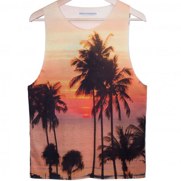 Camiseta estampado de palmeras (www.smoooothclothing.com).