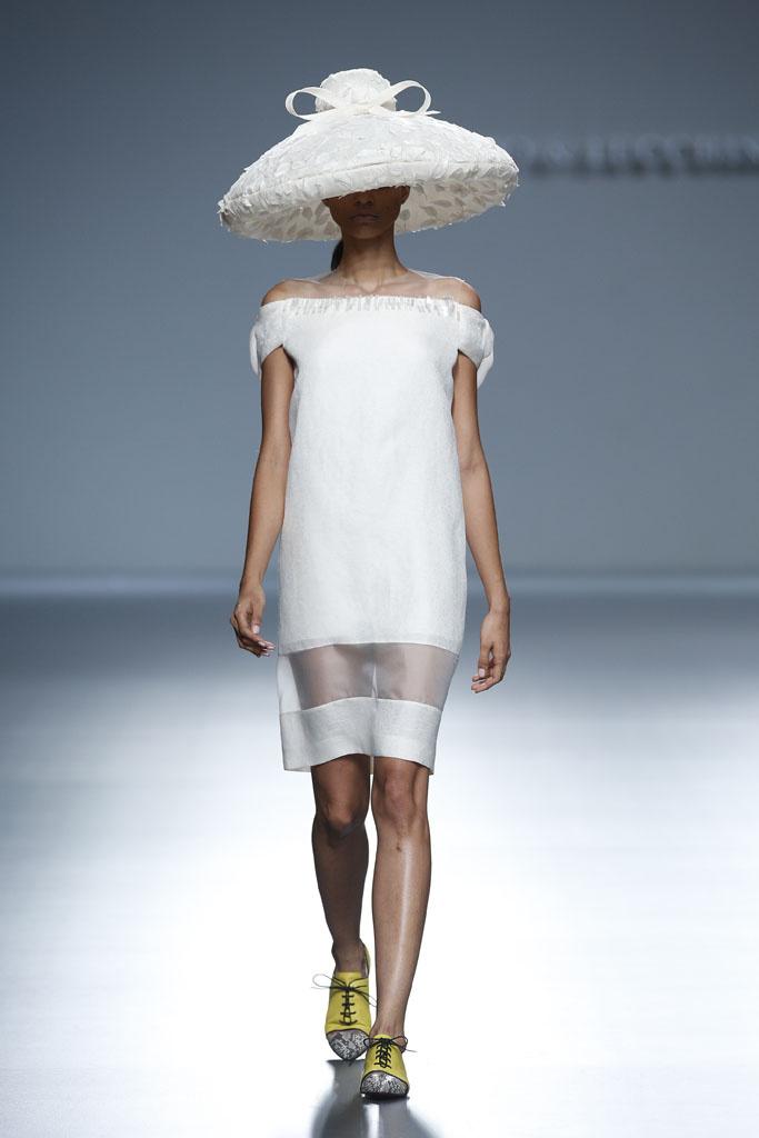 Diseño de Victorio&Lucchino. Pasarela MBFWM 2013. (www.vogue.com).