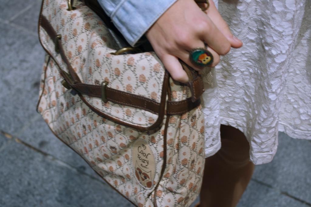 Bolso beige de CoolWay. www.tcomplementacom
