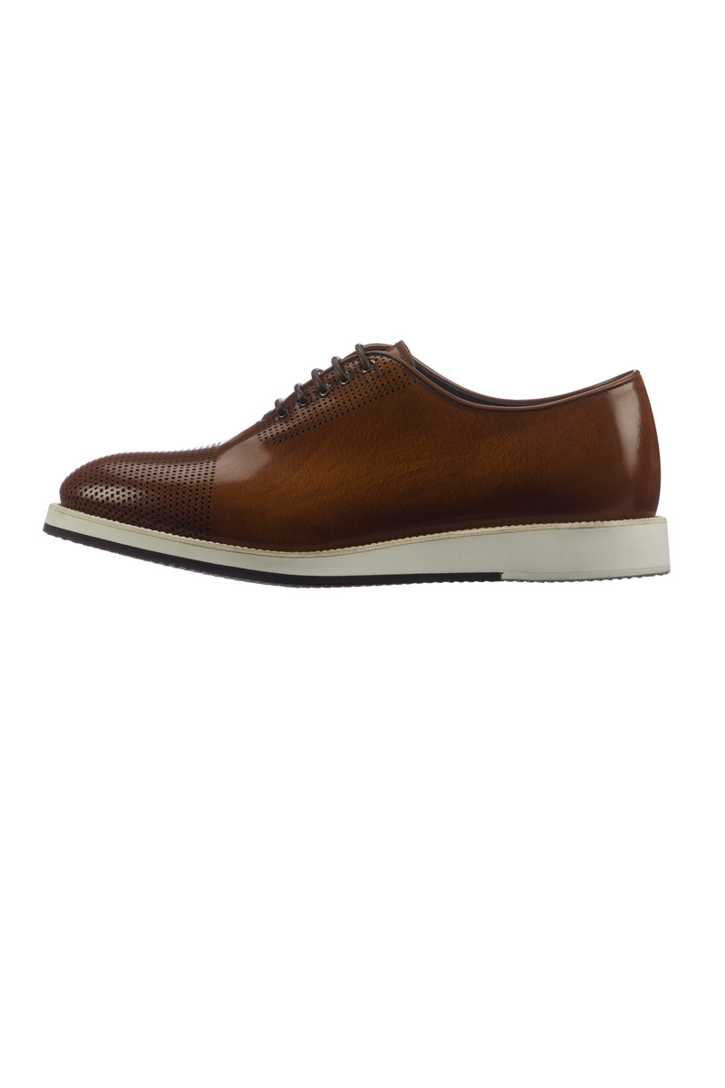 Zapatos de Giorgio Armani con suela deportiva ancha
