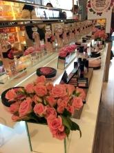 Productos de British Rose en el interior de la boutique The Body Shop en la calle Velázquez.