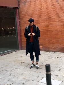 Metro Madrid - ATOCHA - Cuando sacamos el abrigo y sigue haciendo calor... PANTALONES REMANGADOS!!!! :S NO LOS MEZCLEIS POR FAVOR!
